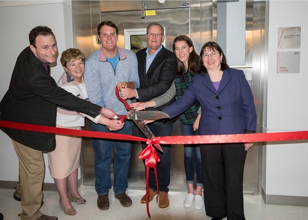 wine library ribbon cutting